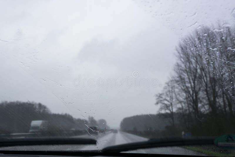Autoroute allemande, mauvaises conditions photographie stock libre de droits