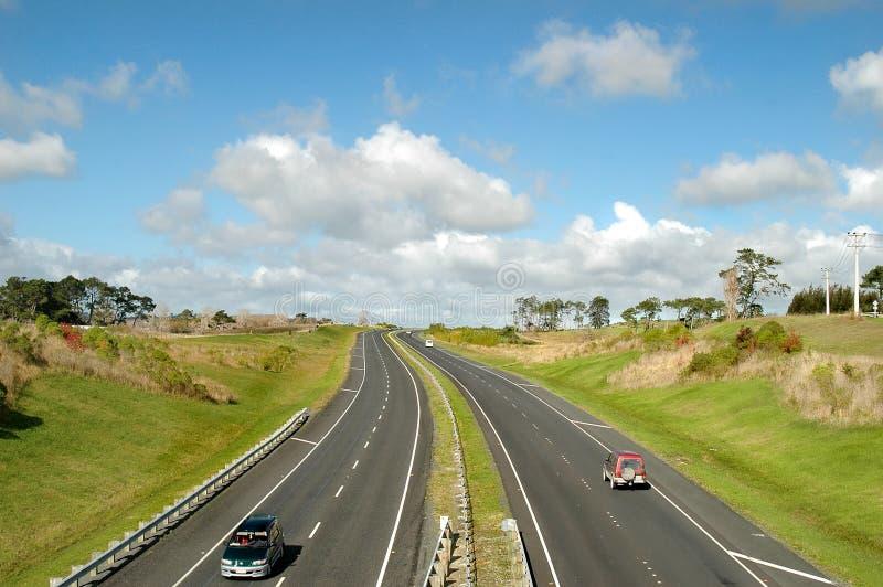 Download Autoroute dans le pays photo stock. Image du véhicules - 745256