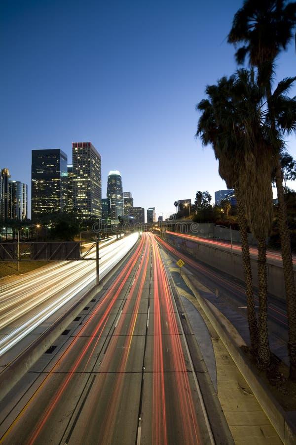 Autoroute de Los Angeles la nuit photo libre de droits