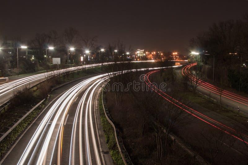 Autoroute la nuit photo libre de droits