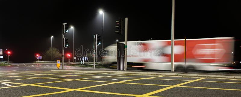 Autoroute M4 Swindon de la jonction 16 la nuit image stock