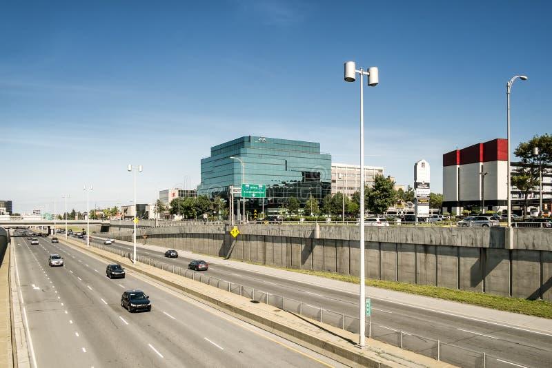 Autoroute urbaine de Décarie photo stock