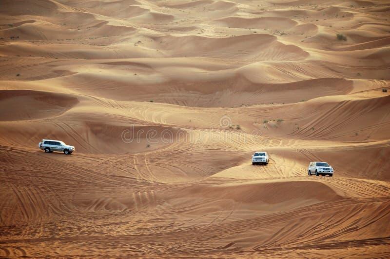 Autos in Dubai lizenzfreie stockfotos