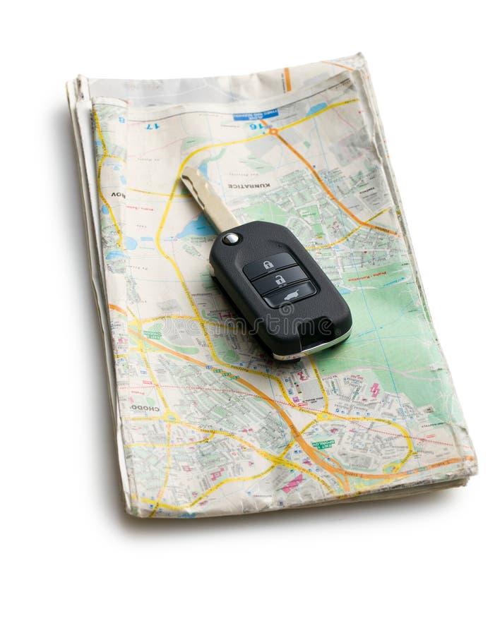 Autoschlüssel mit Karte lizenzfreies stockfoto