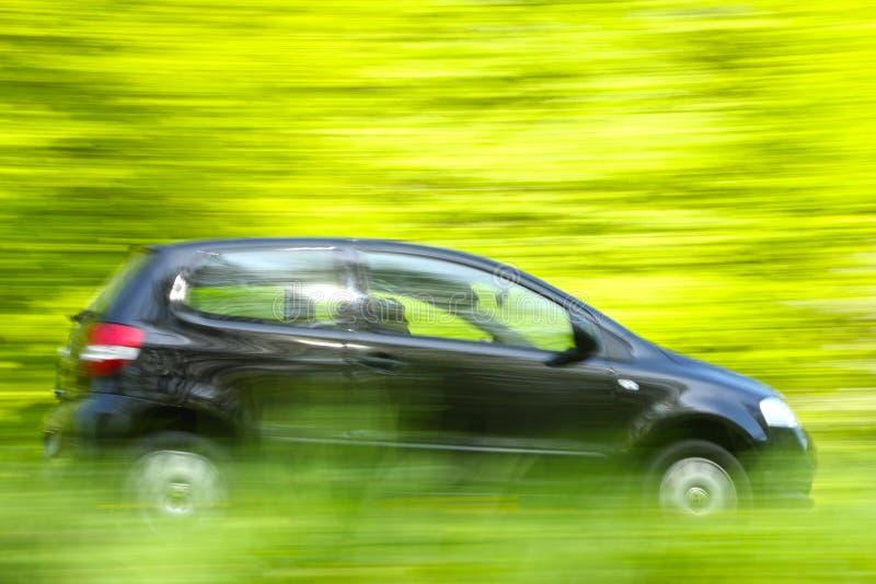 Autoschnellfahren lizenzfreie stockfotografie