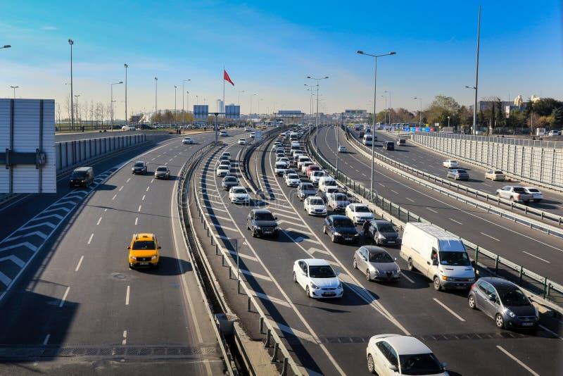 Autosnelweg & Verkeer Yenikapi Istanboel stock foto's