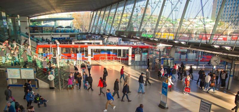 Autostazione internazionale del treno, del tubo e di Stratford, una di più grande giunzione di trasporto di Londra ed il Regno Un fotografia stock libera da diritti