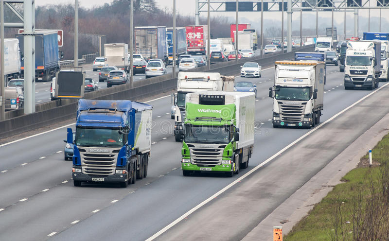 Autostrada britannica occupata M1 immagine stock