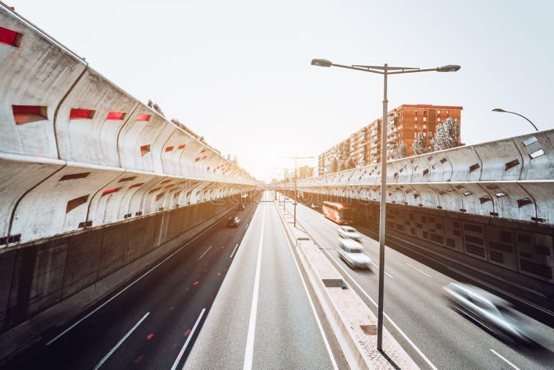 Autostrada; d?ugi ujawnienie, szeroki k?t zdjęcia stock