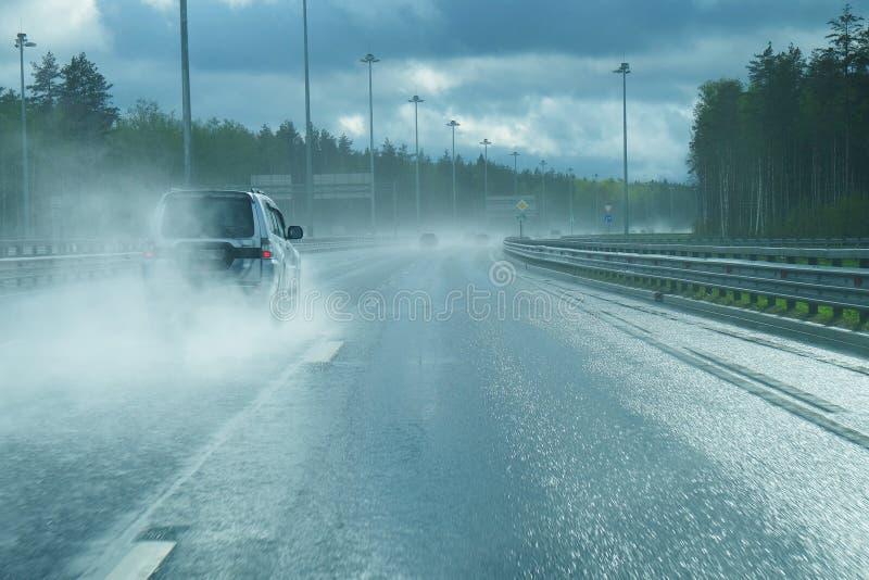 Autostrada po deszczu obraz royalty free