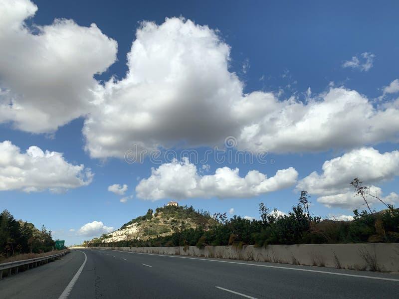 Autostrada przez Troodos pasma górskiego fotografia stock