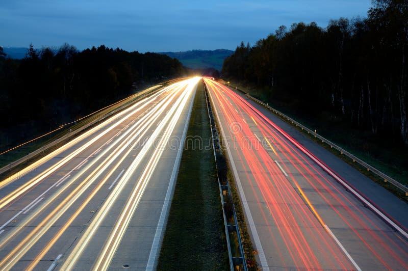 Autostrada przy noc fotografia stock