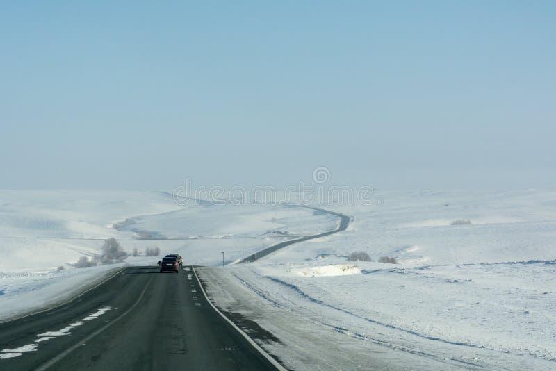 Autostrada w górach Orenburg region obrazy stock