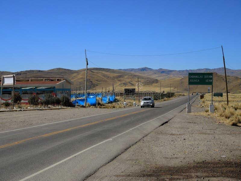 Autostrada w Puno, Peru obrazy stock