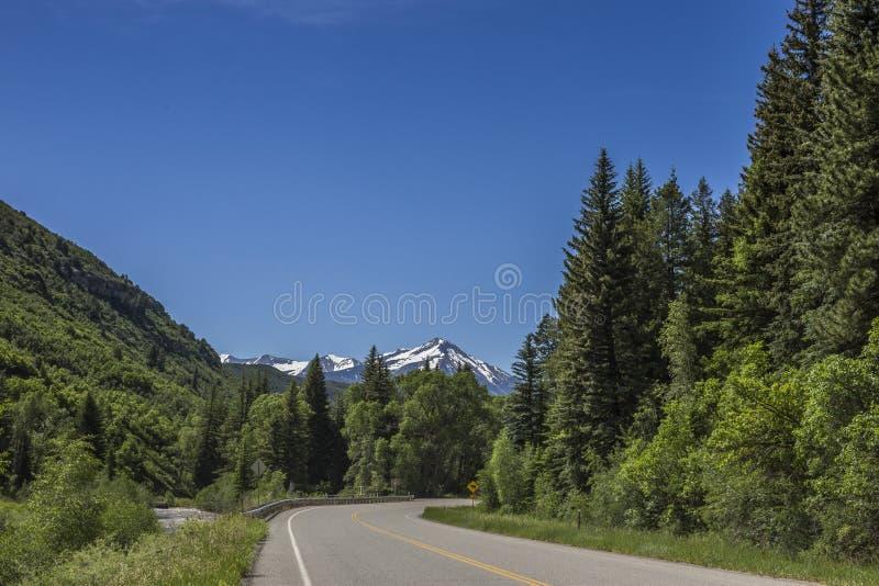 Autostrady 132 panoramiczny widok i Gunnison rzeka, Paonia stanu park, Kolorado obraz stock