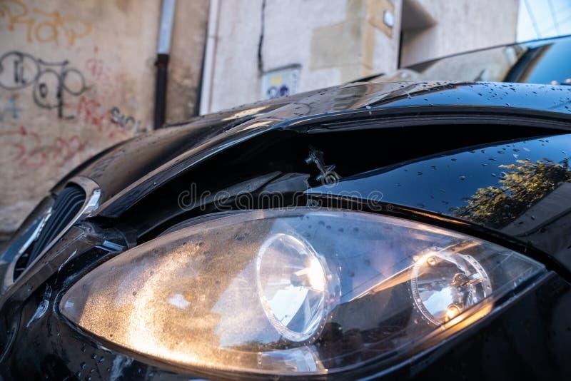 Autounfall, Frontalzusammenstoß lizenzfreie stockfotografie