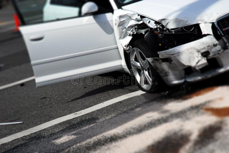 Autounfall-Nachmahd stockfotografie