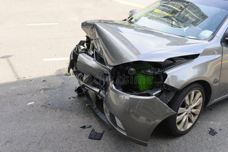 Autounfallunfall auf der Straße lizenzfreies stockfoto