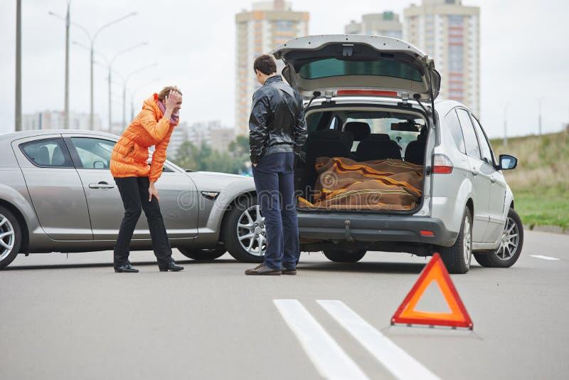 Autounfallzusammenstoß in der Stadt stockbilder