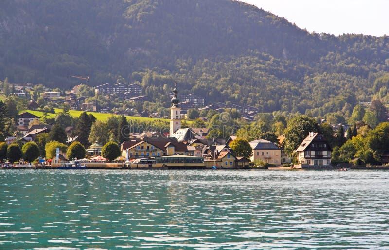 autour du beau lac Wolfgang de campagne photo stock