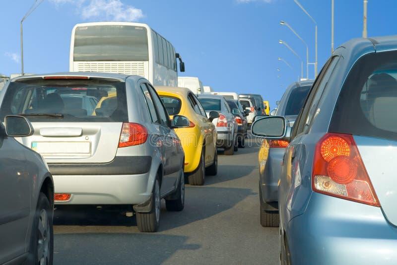Autozeile gehafteter Stau lizenzfreies stockbild