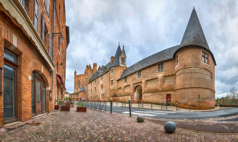 Autrefois l'évêque Palace à Albi, France image libre de droits