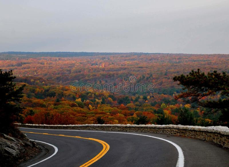 Autumn Around la curvatura fotografie stock libere da diritti