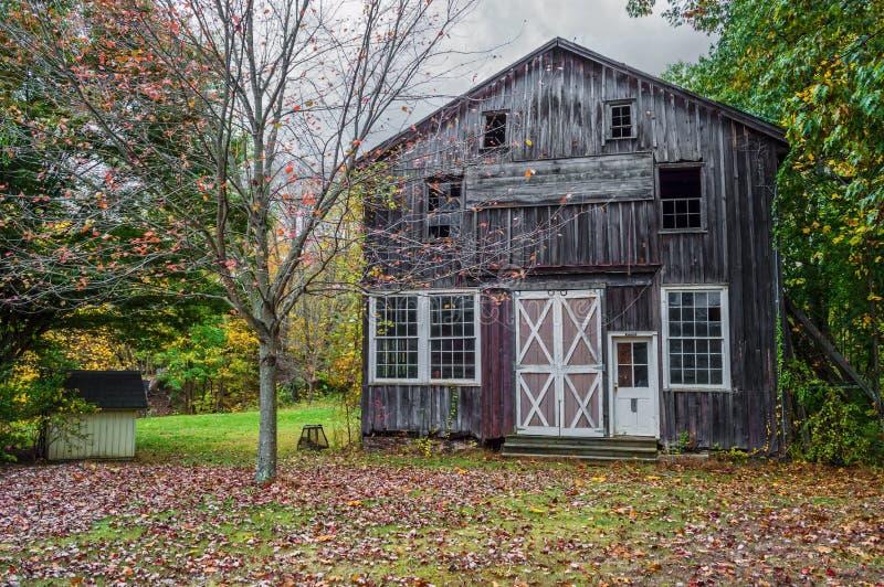 Autumn Barn Scene lizenzfreies stockfoto