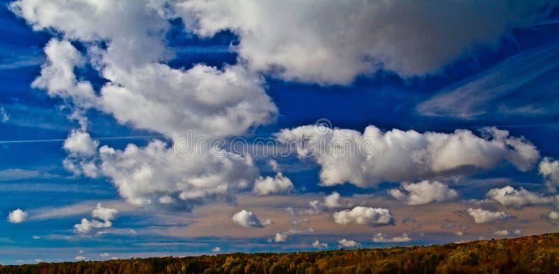 Autumn Clouds du lac Supérieur image libre de droits