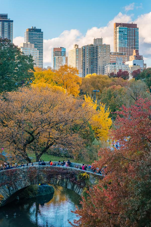Autumn color and the Gapstow Bridge, in Central Park, New York City stock photo