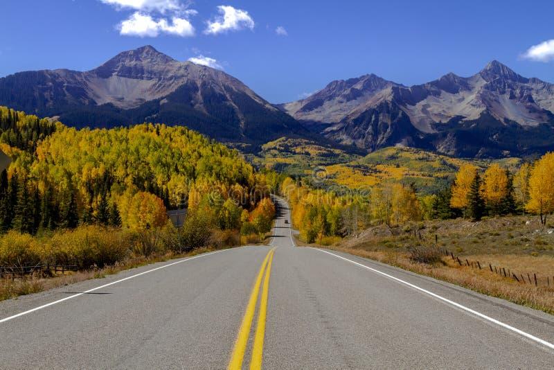 Autumn Color i San Juan och Rocky Mountains av Colorado royaltyfria foton