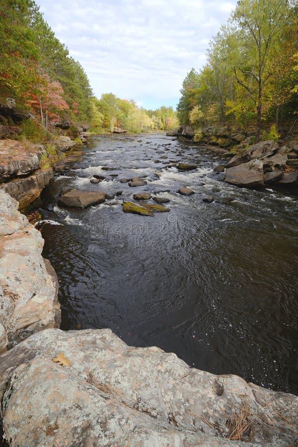 Autumn Colors Along il fiume del bollitore immagine stock
