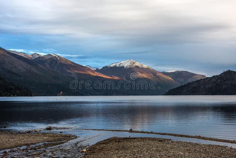 Autumn Colors in Meer Guillelmo, Patagonië, Argentinië stock fotografie
