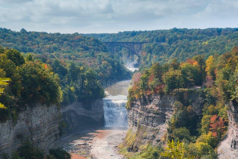 Autumn Colors på den Letchworth delstatsparken i New York fotografering för bildbyråer