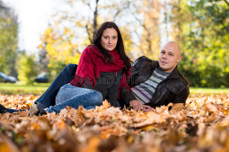 Autumn Couple Portraits fotografie stock
