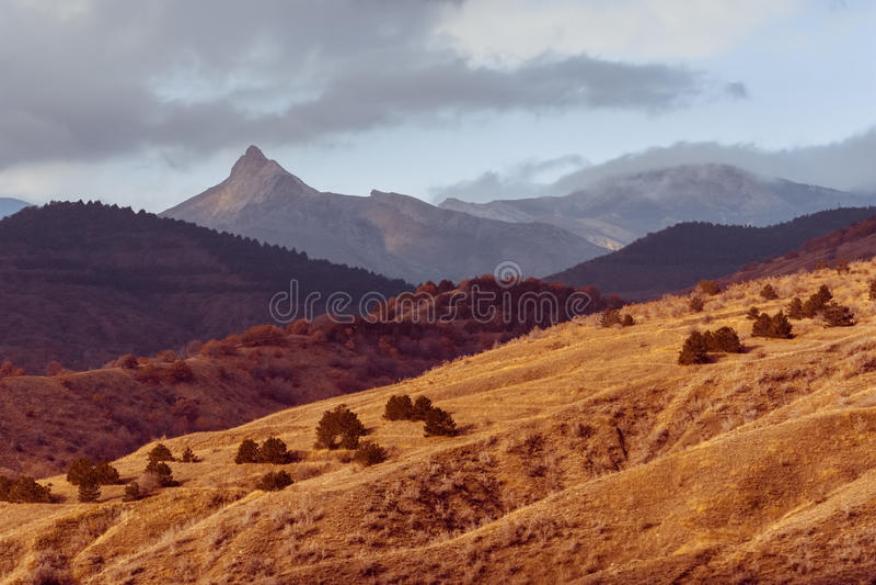 Autumn Crimean Mountains, Zelenogorye, Ucrânia imagem de stock