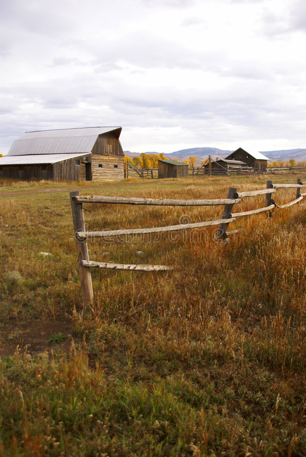 Free Autumn, Fence And Old Western Farm Buildings Royalty Free Stock Image - 7042176