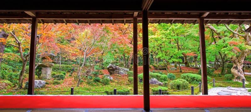 Autumn Garden toneel bij Enkoji-tempel, Kyoto royalty-vrije stock foto