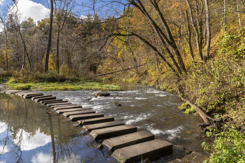 Autumn Hiking Bridge Across River photographie stock