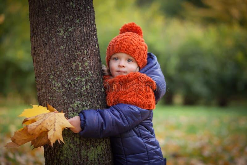 Autumn Kids stock afbeeldingen