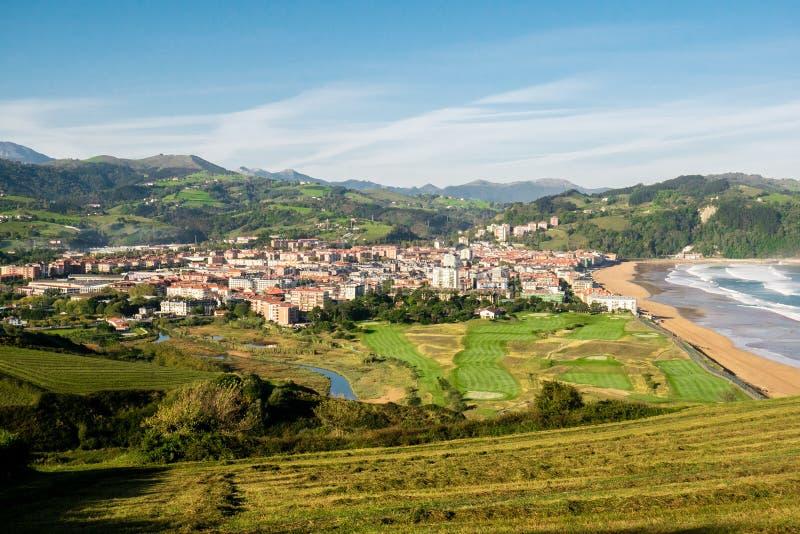Autumn Landsape av Zarautz, baskiskt land, Spanien arkivfoton