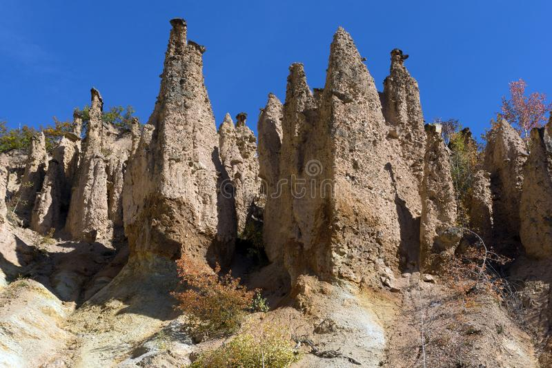 Autumn Landscape de ville du ` s de diable de formation de roche en montagne de Radan, Serbie images stock