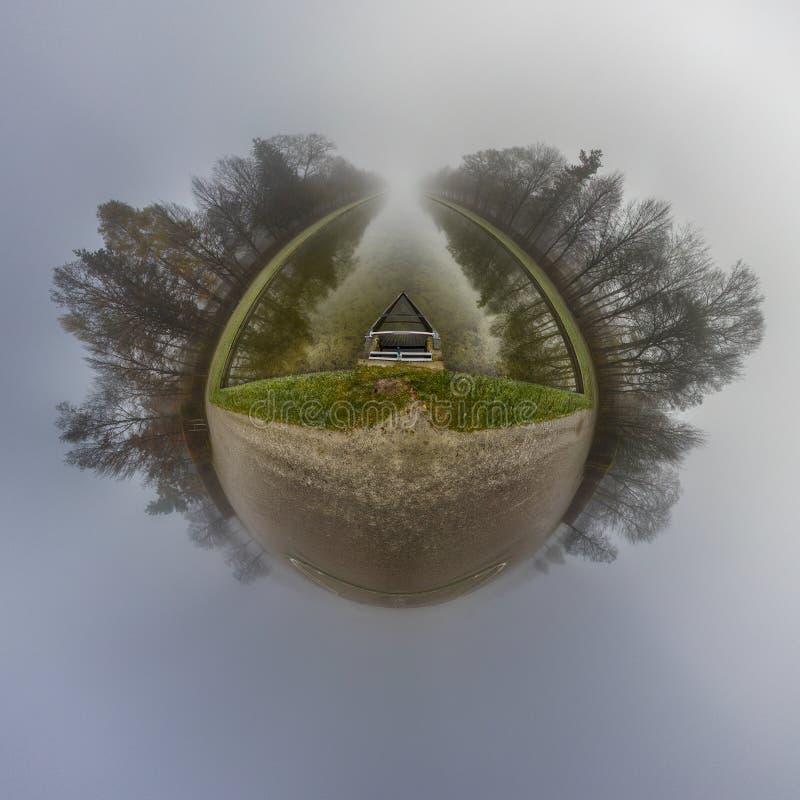 Autumn Little Planet con nebbia fotografie stock libere da diritti