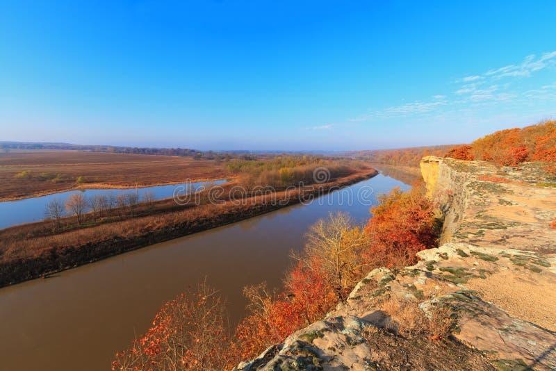 Autumn Osage River del peñasco fotografía de archivo