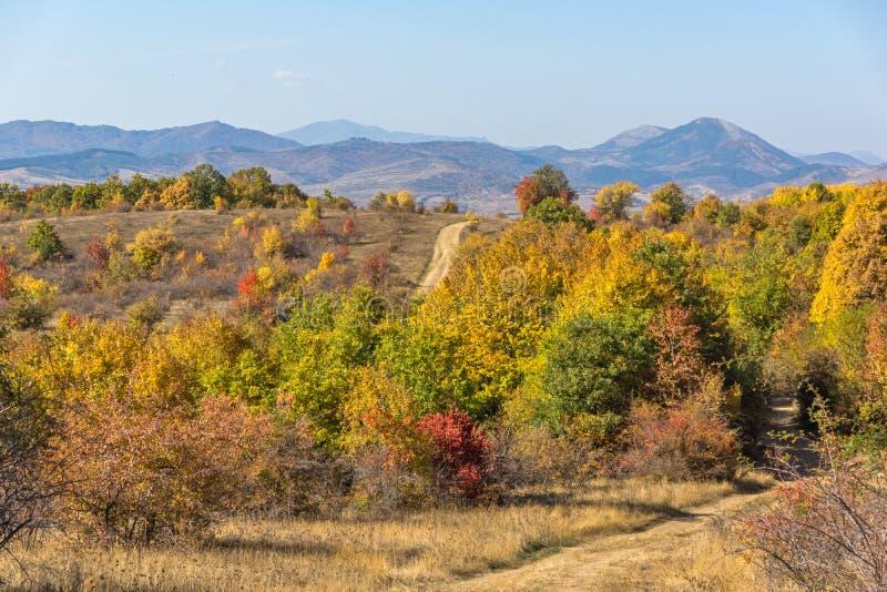 Autumn Panorama van de berg van Cherna Gora Monte Negro, Pernik-Gebied, Bulgarije stock afbeelding