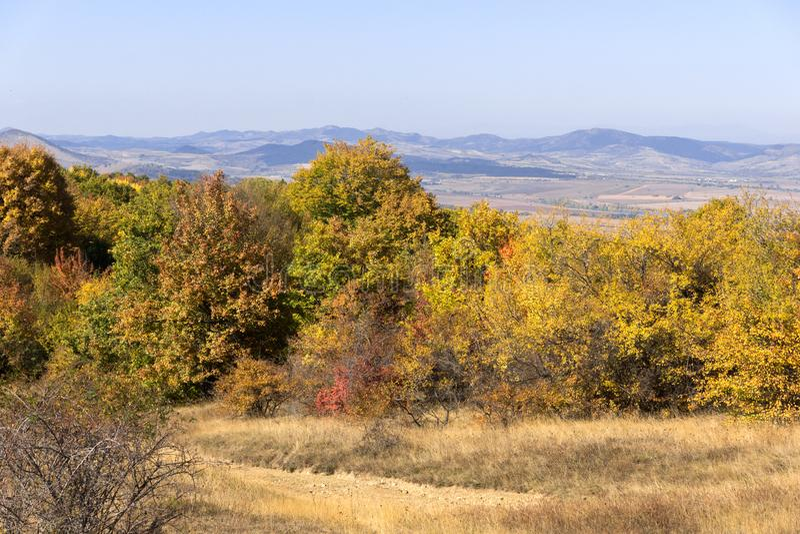 Autumn Panorama van de berg van Cherna Gora Monte Negro, Pernik-Gebied, Bulgarije stock foto