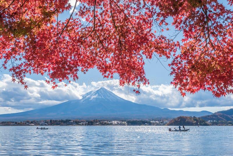 Autumn Season e montagna Fuji nel lago Kawaguchiko fotografia stock libera da diritti