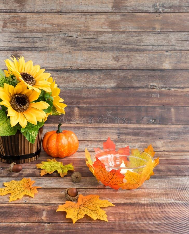 Autumn Still Life met de Kaarshouder van DIY Tealight stock afbeeldingen