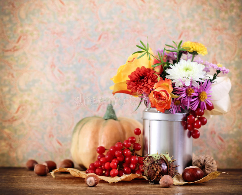 Download Autumn Still Life With Pumpkin Stock Image - Image of composition, berry: 21559505