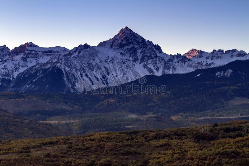 Autumn Sunrise i Sanen Juan Mountains av Colorado royaltyfri bild